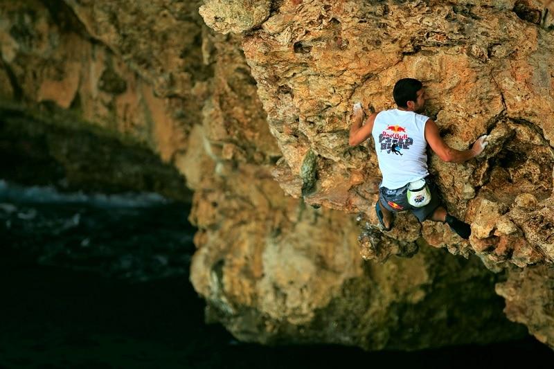 Miquel Riera psicobloc escalar sin cuerda acantilados