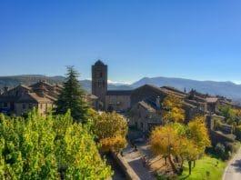 Aínsa capital de la montaña española 2020