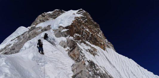 Alex Txikon ascensión invernal al Ama Dablam