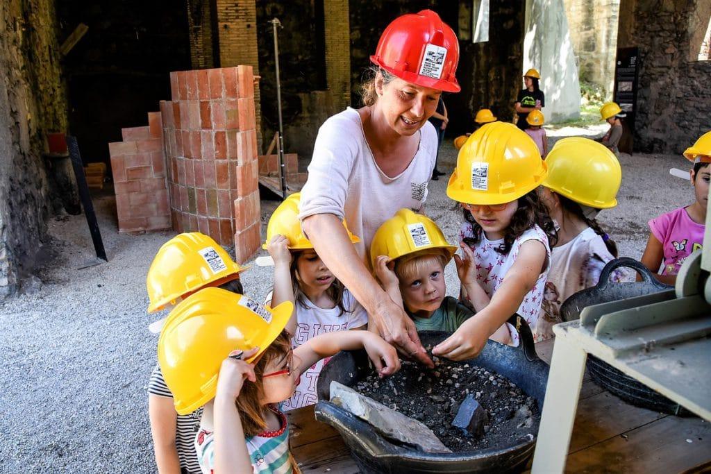 Museu Ciment tren familia niños