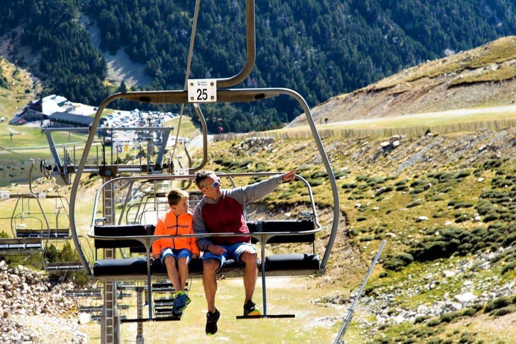 El telesilla Panorámico de Vallter bos traslada en 20 minutos al twexho de la estación de esquí y montaña.
