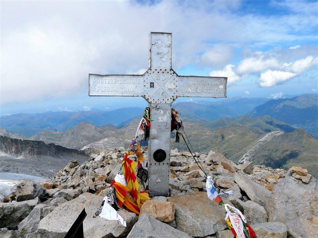Aneto FEEC masificación montaña