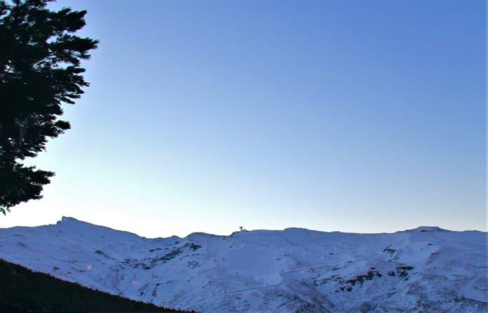Rescatados esquiadores dominio esquiable Sierra Nevada