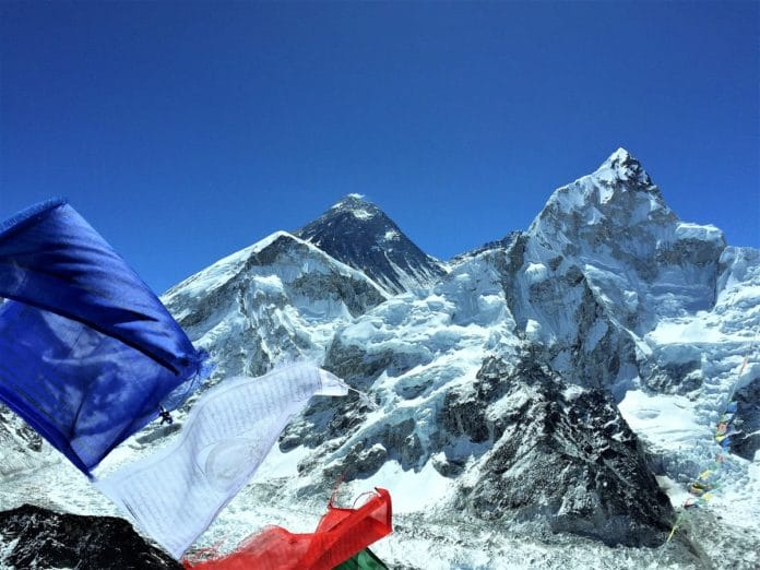 El Everest 2021 'overbooking'