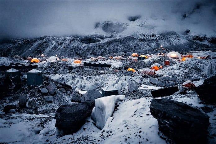 Alex Txikon Everest campo base