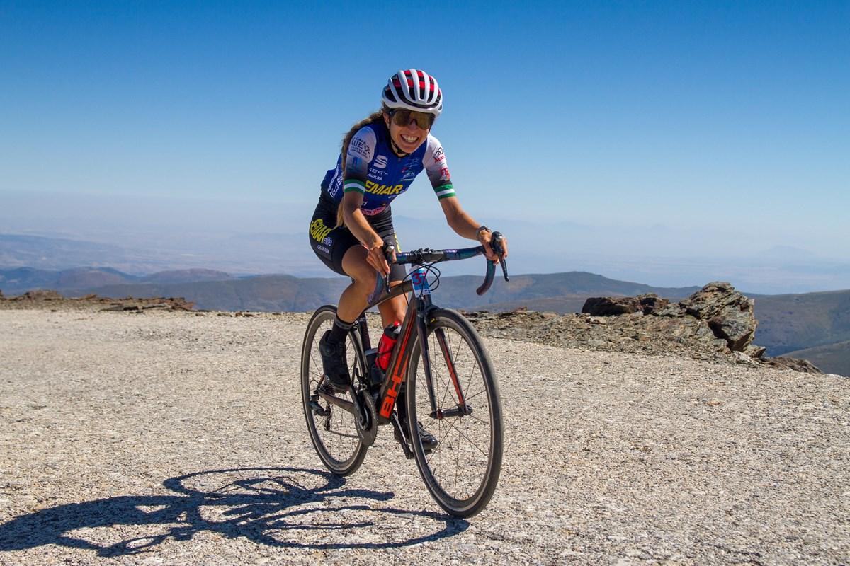 Elena Pérez Subida Cicloturista Pico Veleta