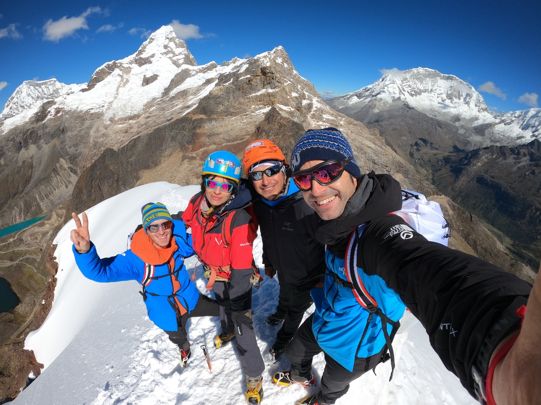 Nevado Mateo Iker Eneko Andes peruanos